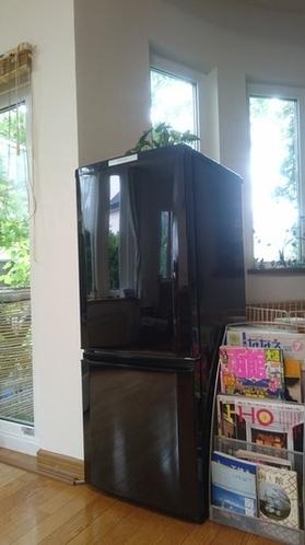 専用の冷凍冷蔵庫をご用意しました