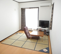 Bedroom: TV, audio, internet(Wi-Fi), and air-condi