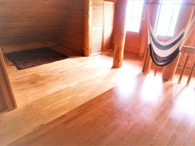 2Fロフト 寝室 広さは8人ぐらいの寝室になります。