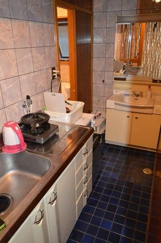 流し台、洗面台、トイレ