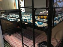 ベッドルーム① 3段ベッド×3台