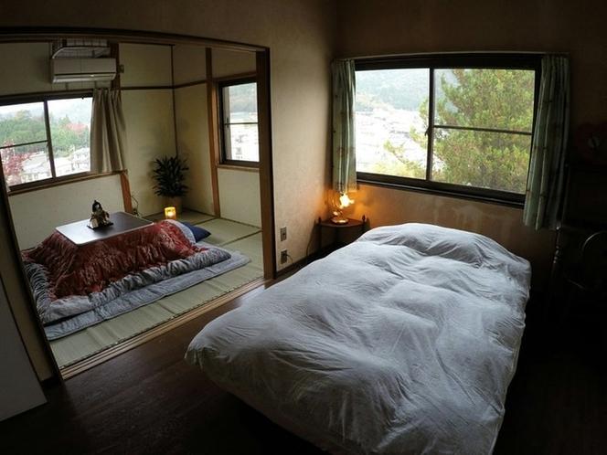 セミダブルベッド1、六畳和室のつづき間
