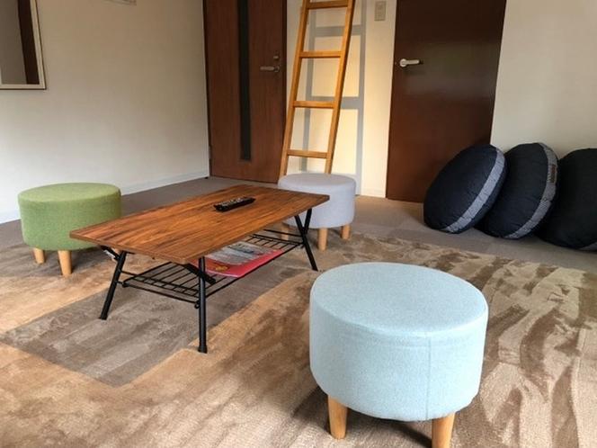 クッションと椅子
