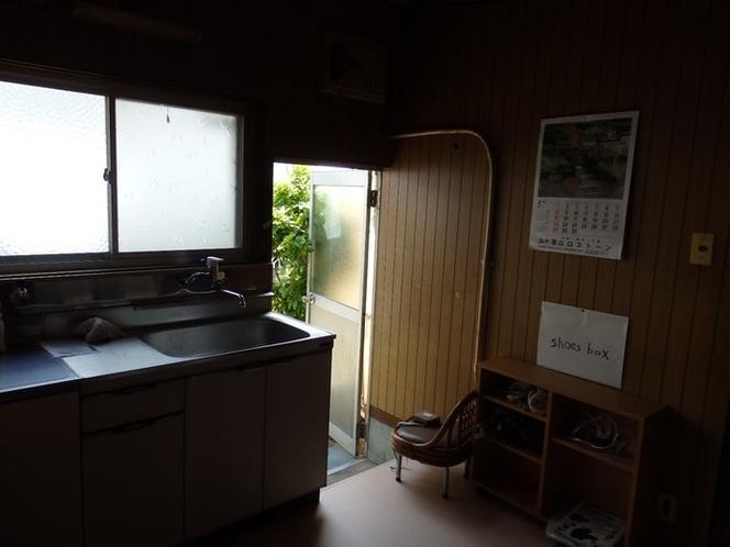 入口と台所