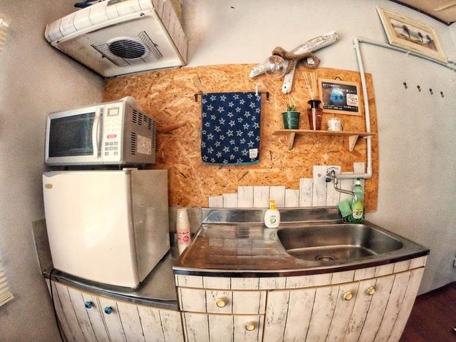 冷蔵庫、レンジ、ケトル