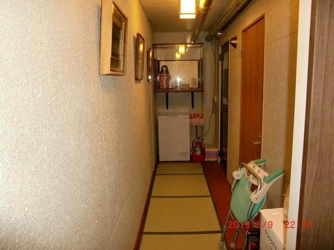 1階宿泊者様のお風呂の通路です。