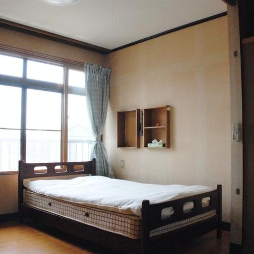 《2F洋間 Western Room》