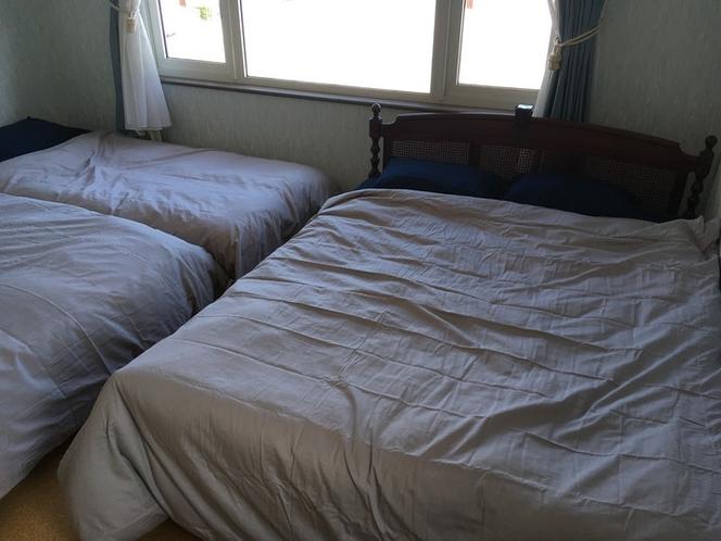 ベッドルーム1(ソファーベッドを開いた状態)