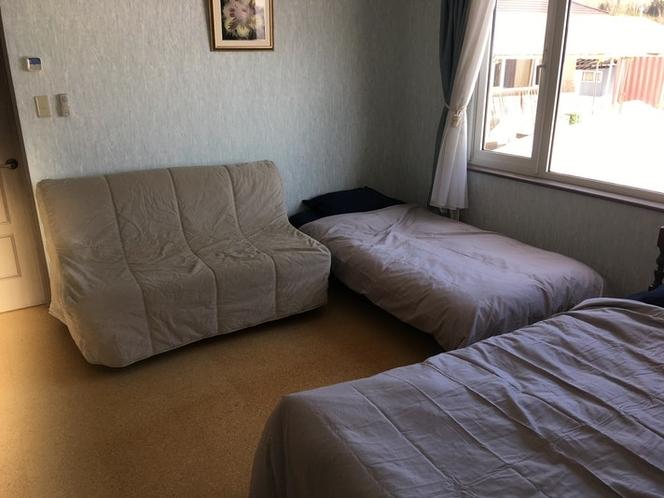 ベッドルーム1 14.9㎡(ソファーベッドを閉じた状態)