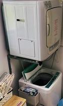 乾燥機付きですので急な洗濯物も安心