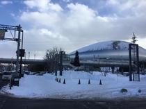札幌ドームへバス6分