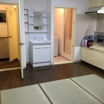 居間・玄関・洗面台