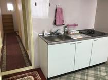キッチンと廊下