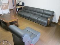 リビングルーム:洋室10畳、オーナーと共用です。