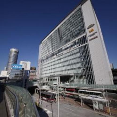 ★JR新横浜駅★・・・ビックカメラやキュービックプラザといった商業施設が入っております。