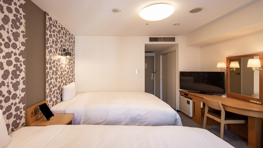 コンフォートツインルーム お部屋の広さ20㎡・セミダブルベッド(140cm幅)が2台
