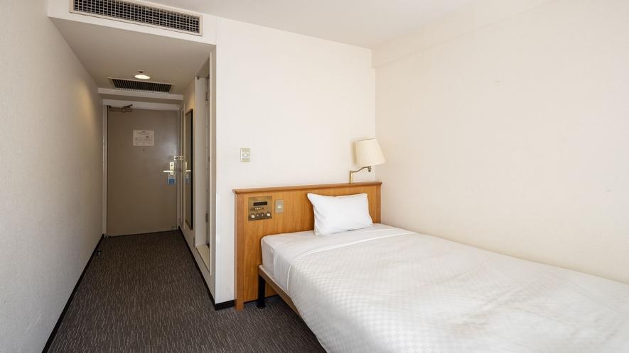 エコノミーシングルルーム お部屋の広さ15㎡・シングルベッド(110cm幅)(15㎡=約9.08畳)
