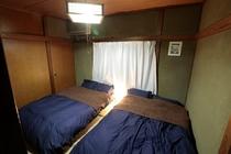 2階奥寝室