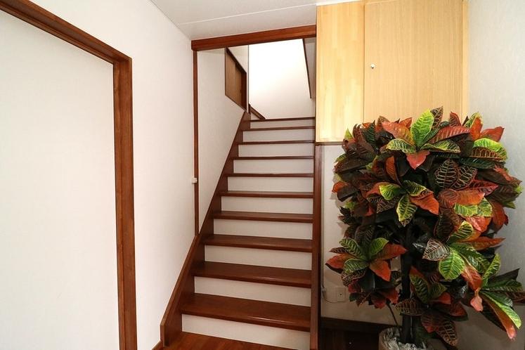 玄関、室内階段
