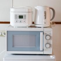 1階&2階、炊飯器、ポット、電子レンジ