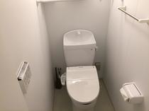 2階トイレ(シャワートイレ付)