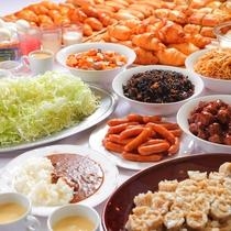 【コレが無料!?人気の朝食が更にパワーアップ♪】新たに和食のメニューも追加。充実した内容に一新◎