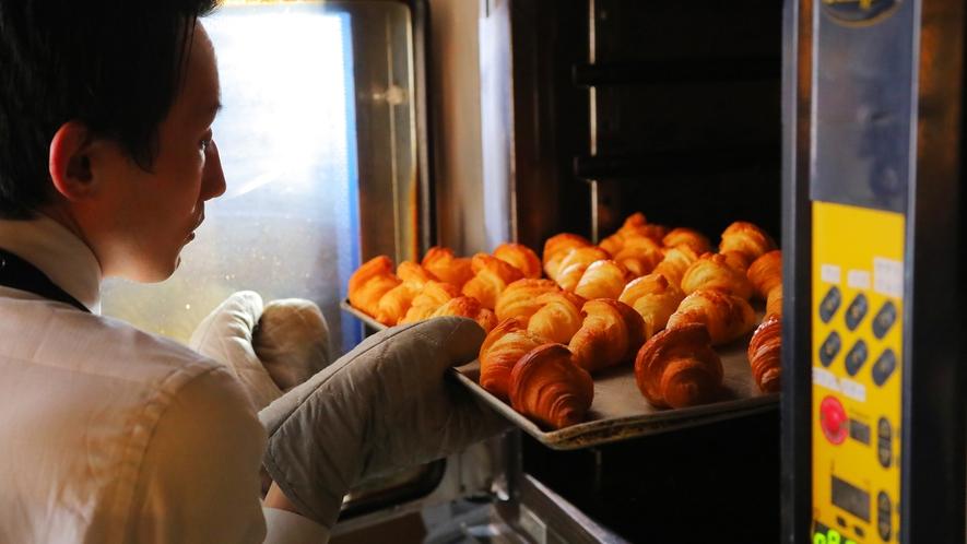 ~焼きたてパンの薫りに誘われて♪~毎朝キッチンで焼き上げるパンの数々。美味しい薫りが広がり幸せ気分♪