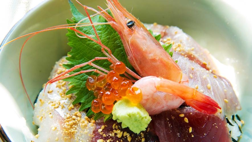 毎日水揚げされる駿河湾近海で獲れた新鮮魚介。刺身で、焼いて、干して旨い!沼津港は日本一の味処です