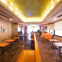 朝食はこちらの「カフェ アミー」で。朝6:30~9:30まで無料でご用意。