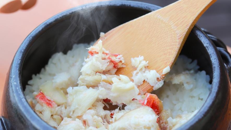 金目鯛の旨味がじっくり染み込んだ人気の釜飯。