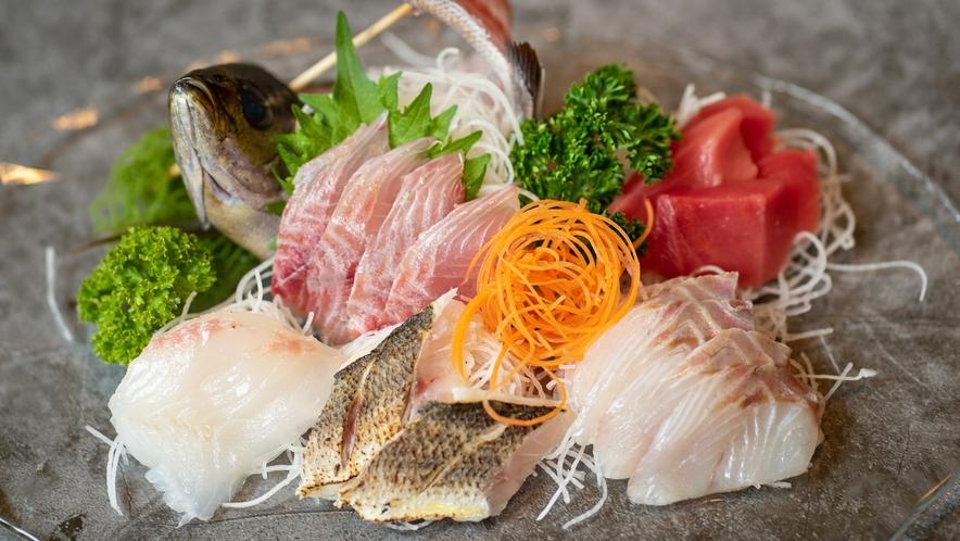 伊豆の新鮮地魚をご用意いたします!その日の獲れたお魚でネタが変わります。
