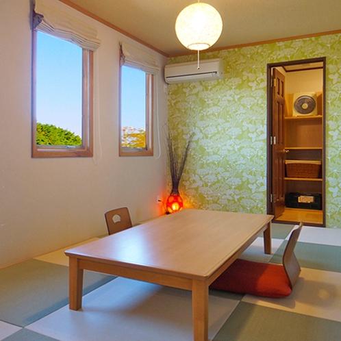 [101]1F:和室の奥に客室風呂へと続く扉がございます。