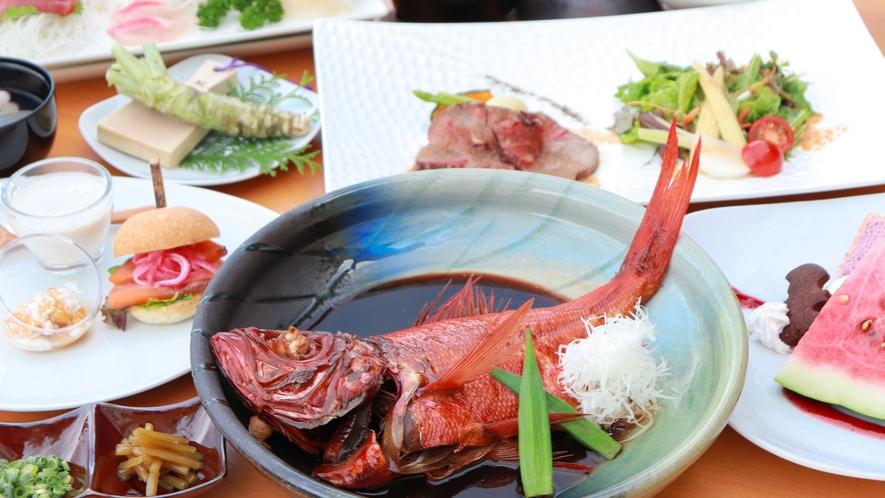 伊豆の季節の味覚に金目鯛の煮付けがまるごと一尾付いた創作ディナー
