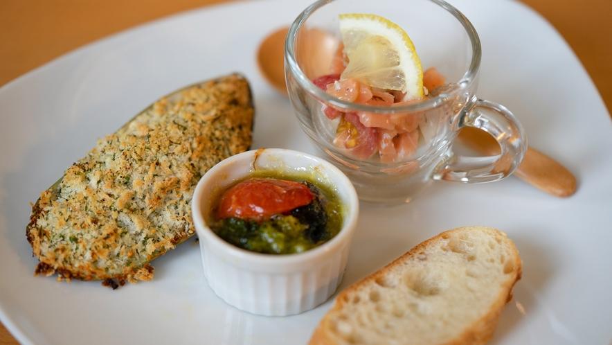 シェフのきまぐれ。季節の野菜やお魚を使ったアパタイザー