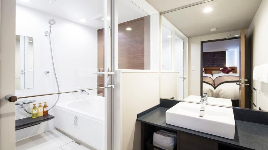 デラックストリプル バスルーム