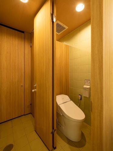 共用部バスルーム(1階)