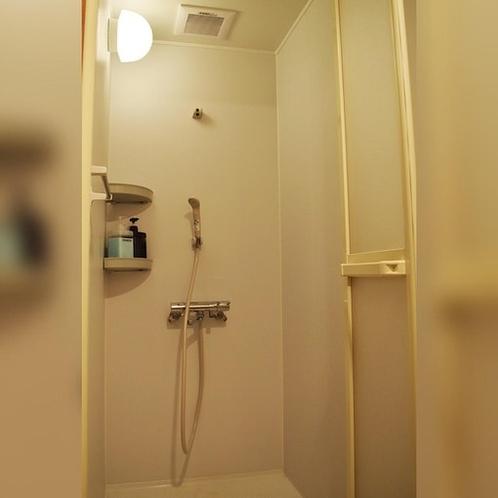 共用のシャワールームです。