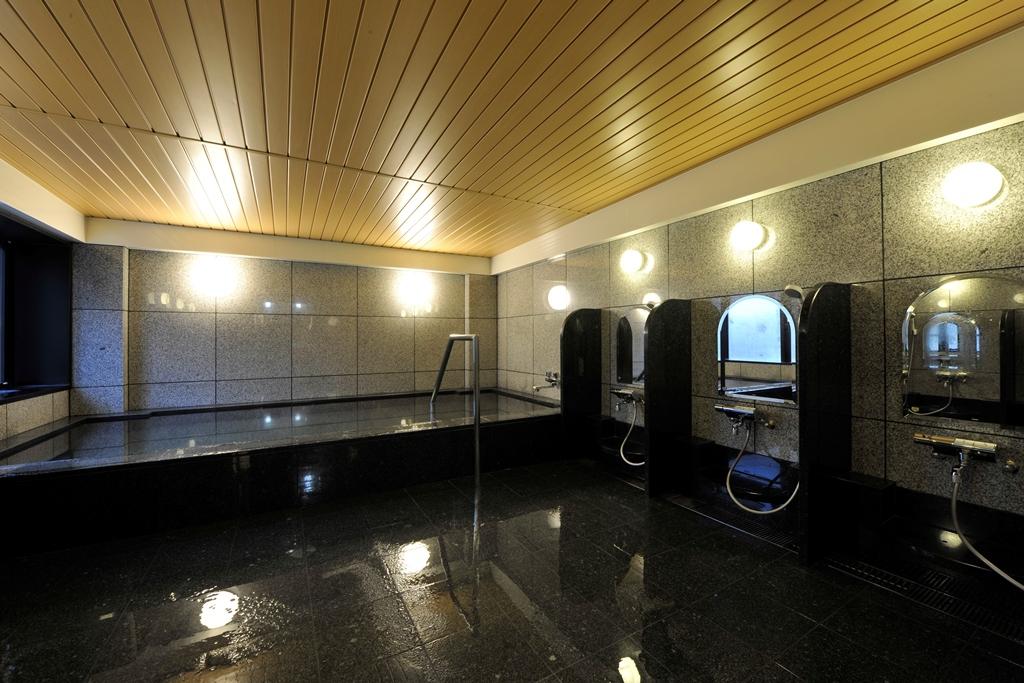 男性浴場(なかめの湯)