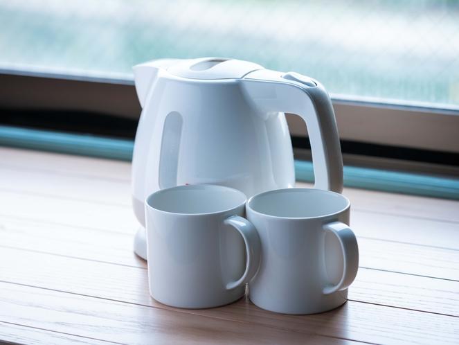 マグカップ、湯沸かしポット