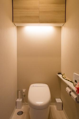 Toilet / トイレ