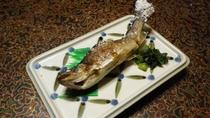 *夕食(一例) 川魚料理(岩魚や鮎など)をお出ししています。