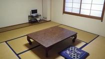 *和室8畳 落ち着いた雰囲気のゆったりとしたお部屋でお寛ぎ下さい。