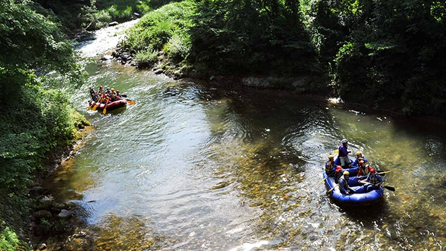 *【周辺観光_ラフティング】白馬の夏はスリル満点!川下りをするアクティビティもあります!