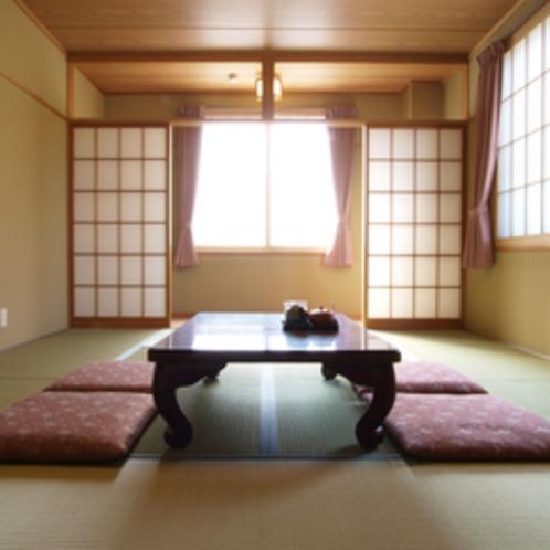 【和室2~4名様】明るく、ゆったりと寛げるお部屋をご用意いたします。