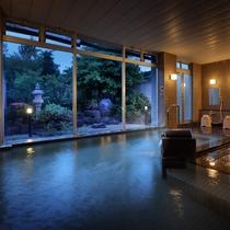 夕闇の大浴場