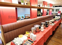 朝食:ビュッフェカウンター【ガスト 新橋店】