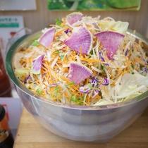 無料健康朝食(有機JAS認定野菜使用のサラダ)