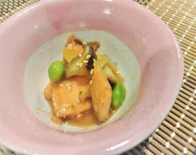 朝食一例 鮭とエリンギの胡麻味噌和え