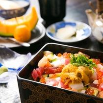 【海鮮ひつまぶし】朝から贅沢丼