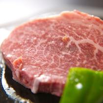 【豊後牛ヒレ肉】お箸で切れる柔らかさ!